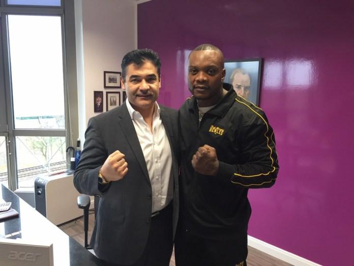Erol Ceylan und Samuel Junior Maximus / Foto: EC Boxing