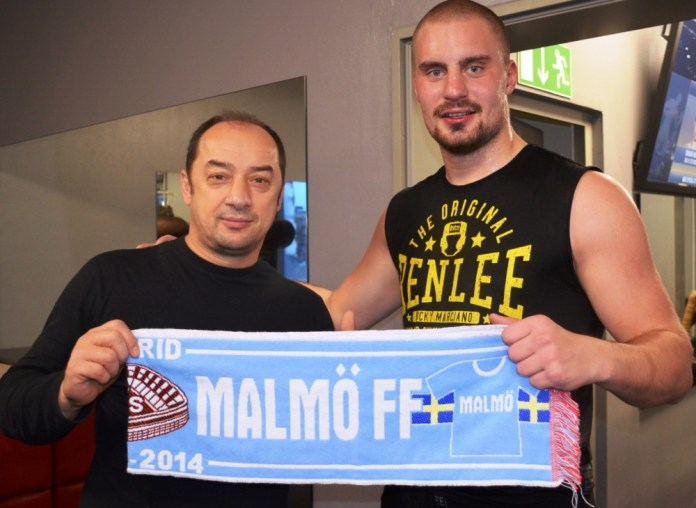 Bülent Baser und Adrian Granat / Foto: EC Boxing