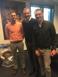 Henry Maske mit den BOXEN1-Redakteuren Jonny Orban und Patrick Czerny