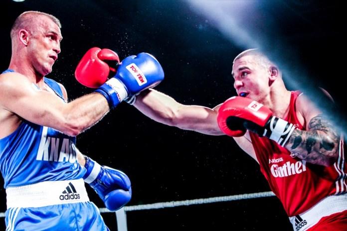 NSV-Boxer Peter Mullenberg (blaues Dress) / Fotograf: Christoph Keil