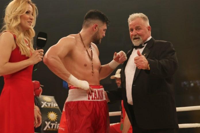 Artur Thundermann Mann und Wiking Manager Winfried Spiering / Foto: go4boxing.com
