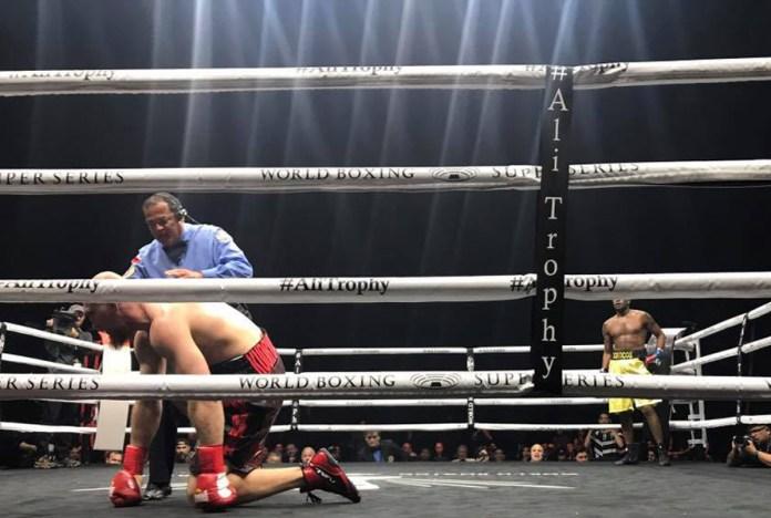 Schon nach 2:10 Minuten in der 2. Runde schickte Yunier Dorticos den Russen Dimitry Kudryashov mit einem fürchtetlichen rechten Kopfkanen über die Zeit zu Boden.