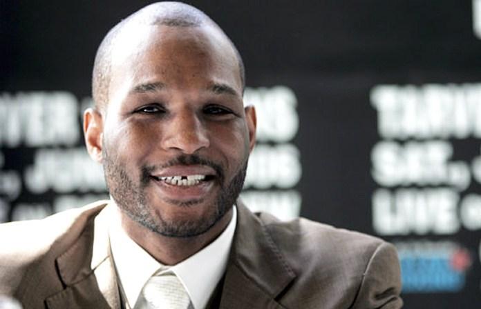 Bernad Hopkins, ehemaliger IBF-, WBC-, WBA-, und WBO-Weltmeister im Mittelgewicht. Er war der erste Boxer, der alle vier anerkannten WM-Titel einer Gewichtsklasse vereinigen konnte und gilt zudem als der Mittelgewichtsweltmeister mit der längsten Titelregentschaft und den meisten Titelverteidigungen aller Zeiten.Am 21. Mai 2011 wurde er zudem Weltmeister der WBC im Halbschwergewicht. Mit 46 Jahren und 126 Tagen wurde er damit der älteste Boxweltmeister der Geschichte. Am 9. März 2013 konnte er mit dem Gewinn der IBF-Weltmeisterschaft seinen eigenen Rekord überbieten und wurde mit 48 Jahren und 53 Tagen erneut der älteste Boxweltmeister der Geschichte.