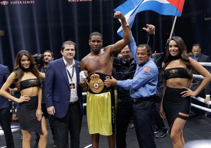 Dorticos siegt duch KO in der zweiten Runde und bleibt WBA Weltmeister im Cruisergewicht und ist für das Halbfinale der WBSS qualifiziert.