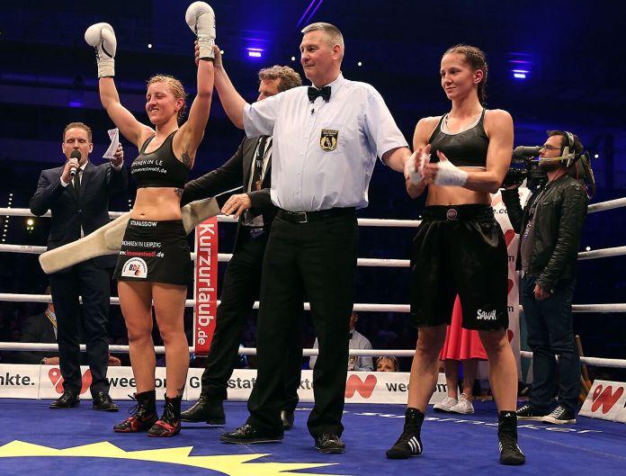 Sandra Atanassow nach ihrem Sieg gegen Gabriela Busa / Foto: Matthias Fäller