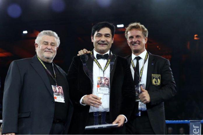 Erol Ceylan wurde im Rahmen seiner eigenen Veranstaltung am letzten Samstag in der Hamburger Edel-Optic Arena, nach seiner Auszeichnung im Jahre 2016,  zum zweiten Mal in Folge vom Bund Deutscher Berufsboxer (BDB) als erfolgreichster Promoter des Jahres (2017) ausgezeichnet. Boxen1 gratuliert dem erfolgreichen Promoter auf das Herzlichste!