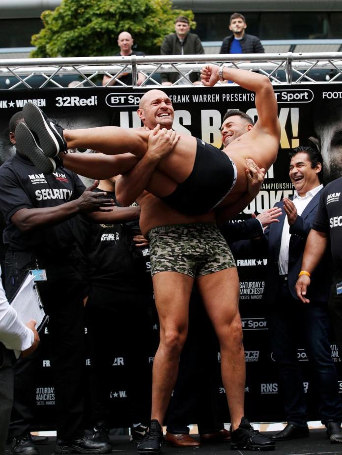 Fury vs Seferi weigh in1