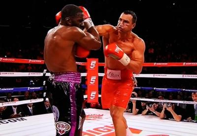 Klitschko vs Jennings - Wladimir Klitschko throws right hand