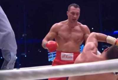 Klitschko vs Pulev - Wladimir Klitschko knocks down Kubrat Pulev en route to victory
