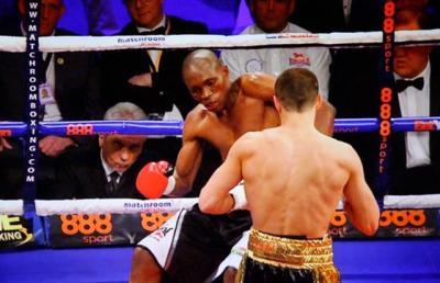 Quigg vs Munyai - Scott Quigg knocks down opponent Tshifiwa Munyai