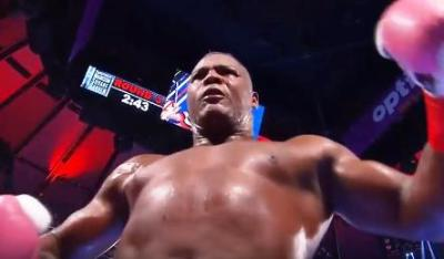 Ortiz vs Scott wasn't the Heavyweight scrap everyone hoped for