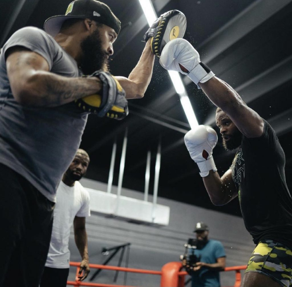 Tyron Woodley told how the first training session with Floyd Mayweather went, in preparation for the fight with Jake Paul