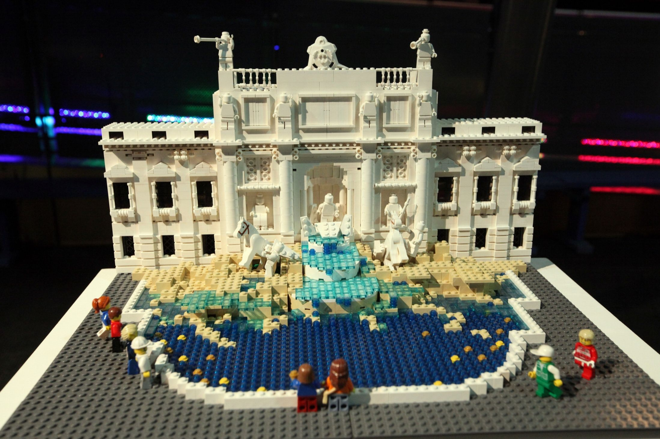 Lego Brick City Trevi Fountain BoxMash
