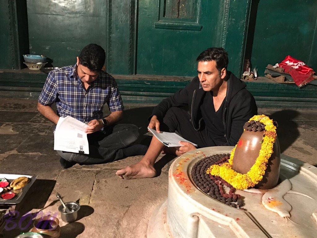 Akshay Kumar signed Mogul with Bhushan Kumar in front of Lord Shiva in Maheshwar