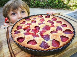 strawberry cake helper