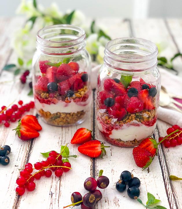 Summer berry breakfast jars