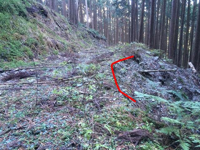 林道の崖崩れ
