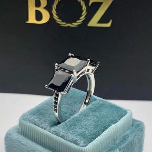 Nana trinity black sterling silver 925 engagement ring.