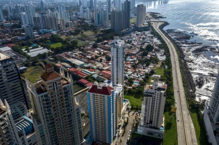 Panamá reabre más sectores económicos