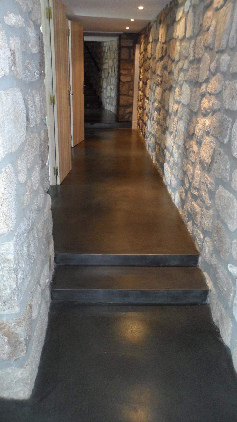Sol Beton Cire Cheminee Centrale Accueil Design Et Mobilier