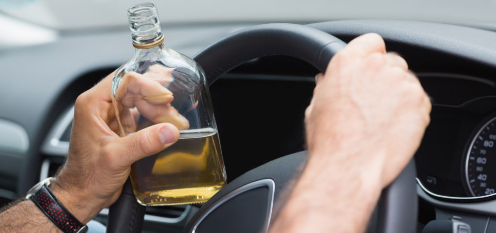 4 REASONS DRUNK DRIVING IS RISKY