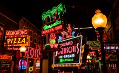 March 15: American Sign Museum