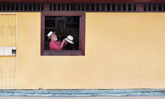 Hat-marker Panama City by Simon Urwin