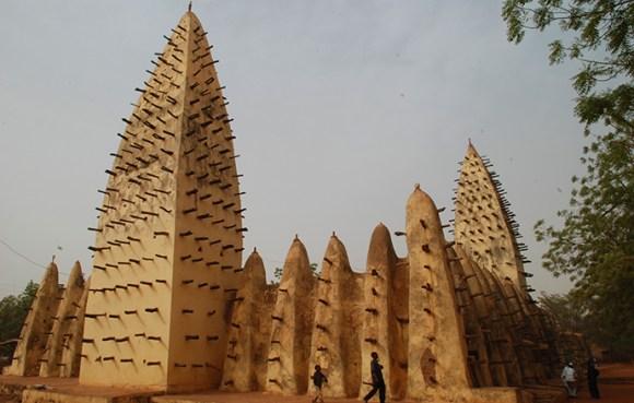 Grand Mosque Bobo-Dioulasso Burkina Faso by Jim O'Brien