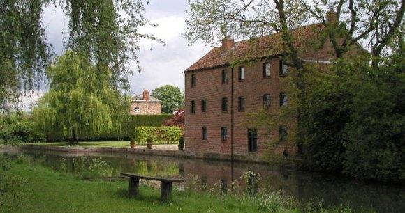 Pocklington Canal, Yorkshire, Andy Beecroft, Wikimedia Commons