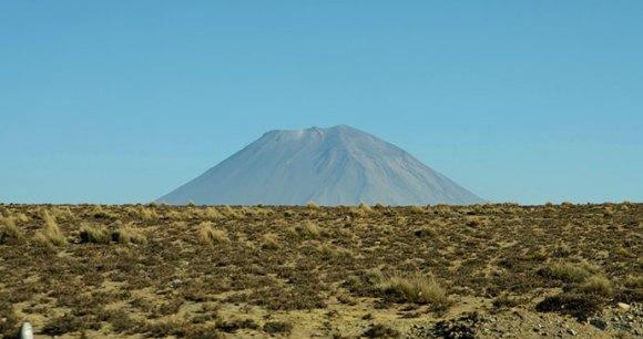 Volcan El Misti Peru by Ana Hernandes