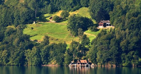 Rütli Lake Luzern Switzerland by Matthias Kabel Wikimedia Commons best walking routes switzerland