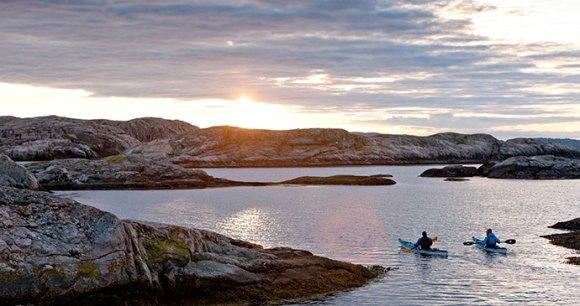 Kayaking in Bohuslän, Sweden © Henrik Trygg