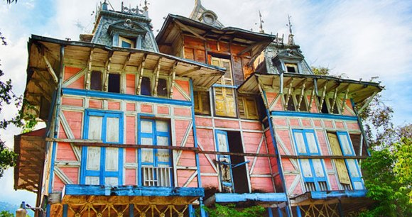 Gingerbread House by Experience Haiti