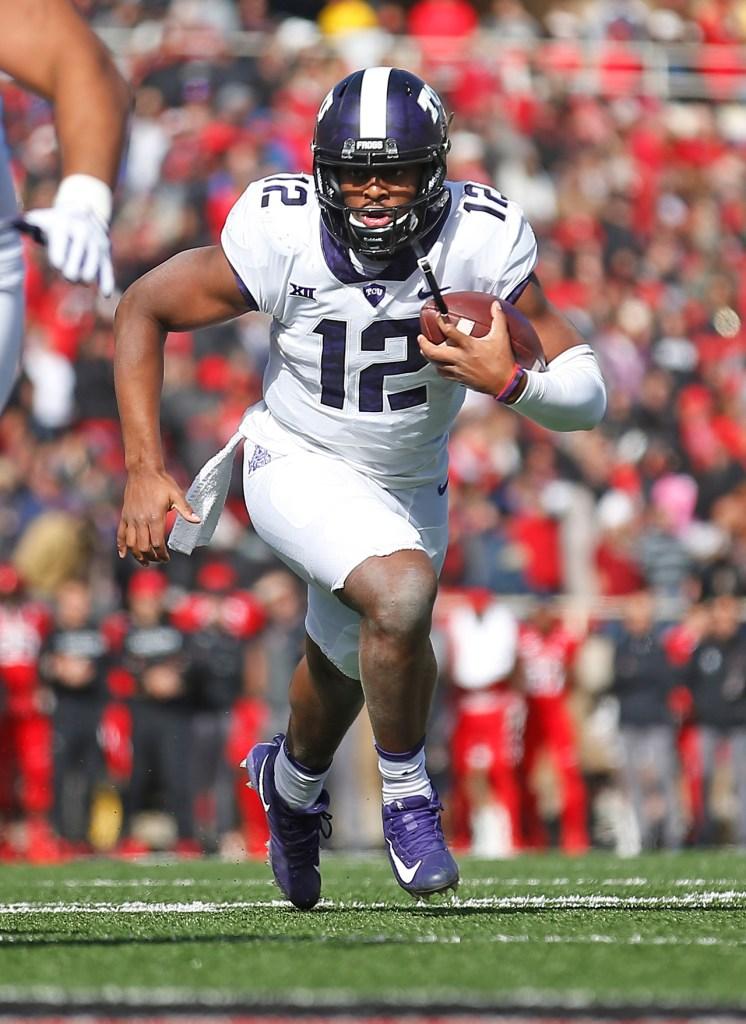 TCU's Shawn Robinson runs down the field