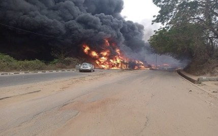 3 Persons Killed, Many Injured As Tanker Falls And Explodes Along Kuto-Okemosan Road In Ogun
