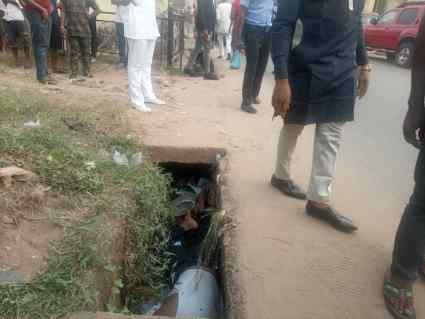 Hoodlums Shoot Man Dead, Dump Body In Drainage