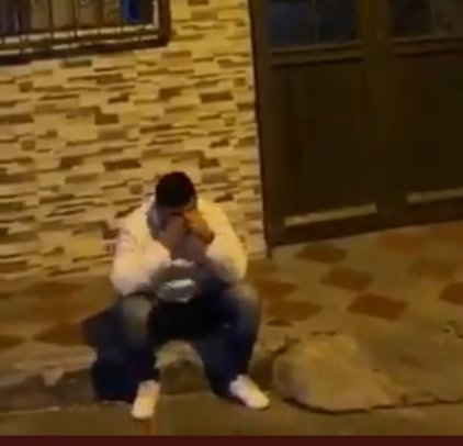 Man Goes To Propose To His Girlfriend But Catches Her Having S-e-x With Another Man