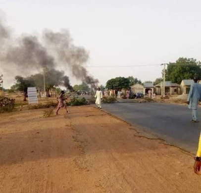 See Photo As Zamfara Youths Block Highway To Protest Against Incessant Attacks By Bandits