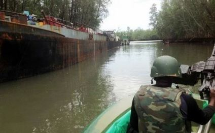 Navy Arrest 10 Vandals With 210,000ltrs Of Diesel Concealed In Water Tanks