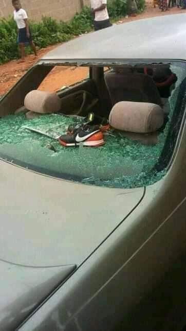 2 Married Men Fight In Public Over A Woman In Benue, Destroy Car
