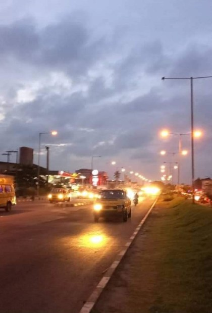Lagos State Govt Fixes Street Lights After Armed Robbers Attacked Motorists