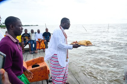 Billionaire businessman, Ayiri Emami, pays homage to the gods days after new Olu of Warri displaced him as Prime Minister of Warri kingdom