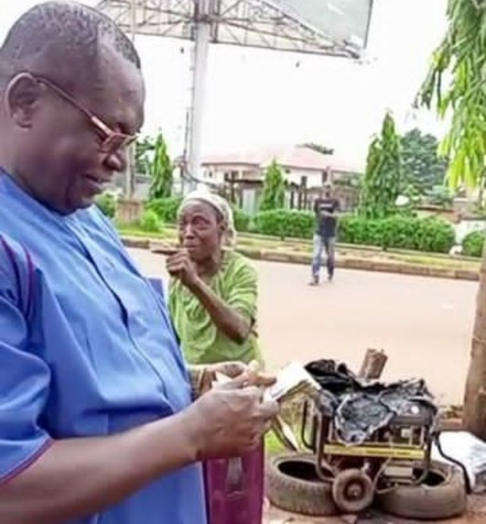 Watch Video Of Late Dr. Chike Akunyili Buying Woman's Entire Wheelbarrow Of Plantain To Support Her