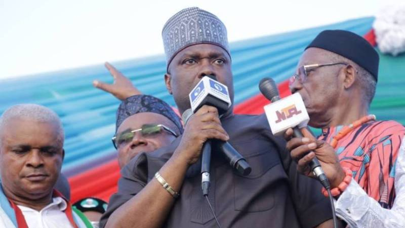 Akwa Ibom State Students To Support Nsima Ekere And Buhari In 2019