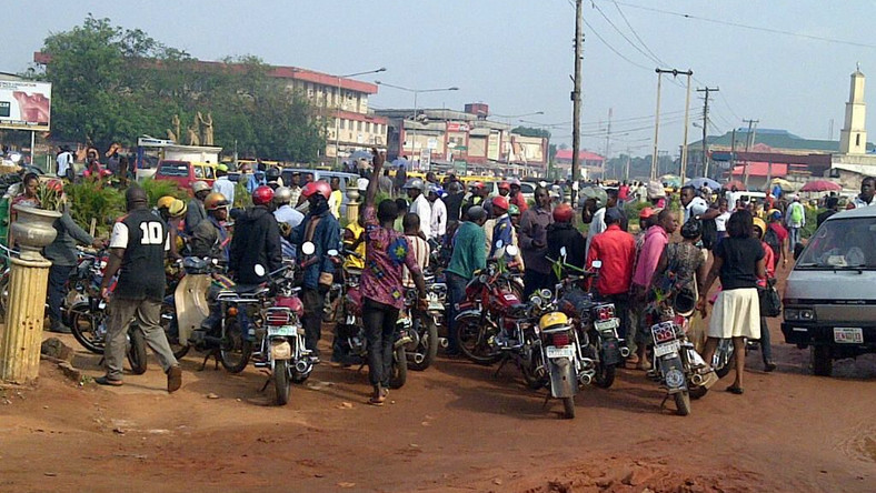 150 Commercial Motorcyclists Invade Government House In Calabar With Corpse