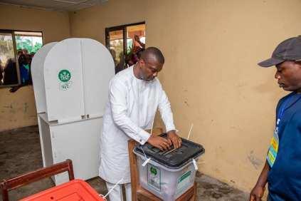 #AkwaIbomDecides2019: Nsima Ekere Cast His Vote