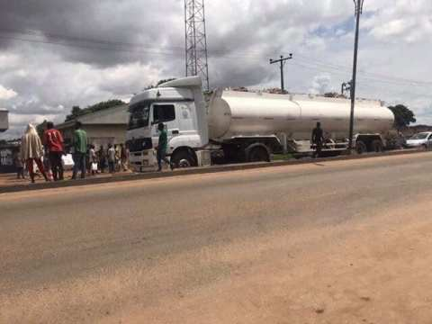 A Seller Crushed To Death By A Trailer In Kaduna Traffic
