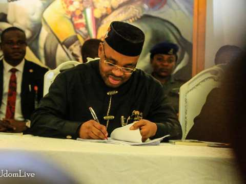 Gov Udom Emmanuel Swears In 19 Commissioners, Special Advisers