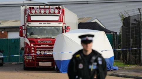 Police Discover 39 Frozen Bodies Inside A Refrigerated Trailer In United Kingdom