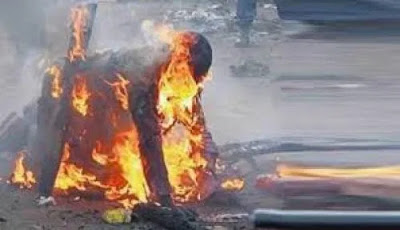 Suspected Fowl Thief Set Ablaze In Calabar